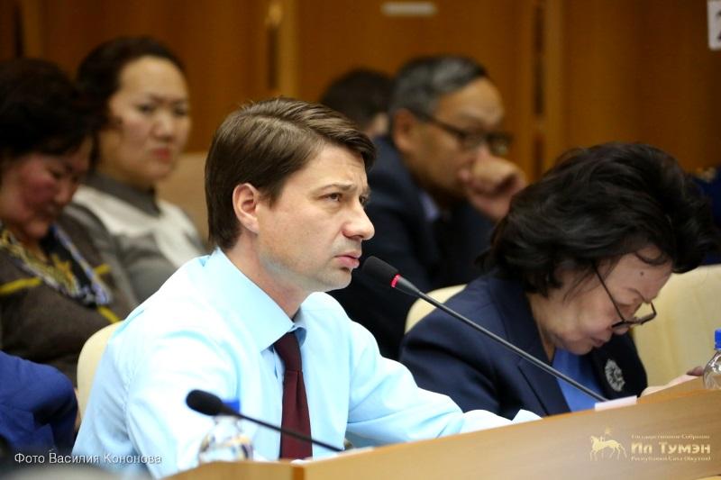 Владимир Федоров подал в суд на власти Якутии за невыплаты сельским педагогам